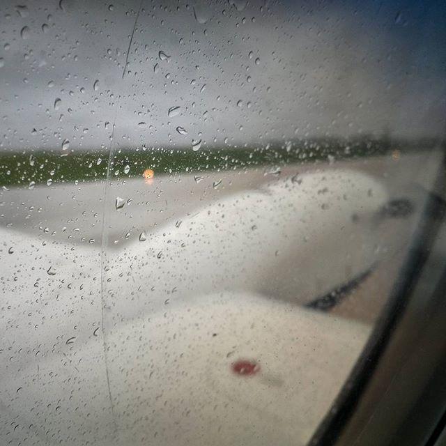 Rainy take off this morning. #nofilter #kingair200 #ywg #fastair