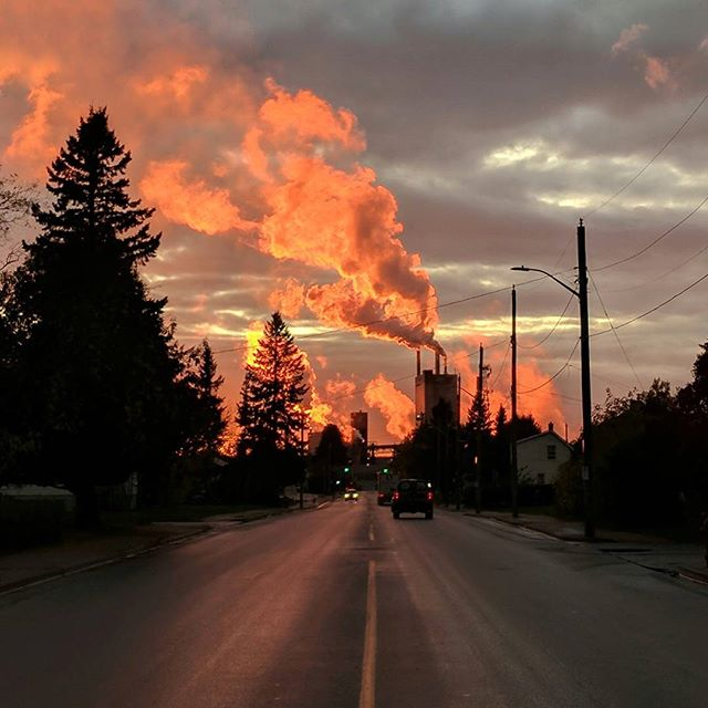 Sundown in Dryden . . #sunset #orange #nofilter #sky #industry #skyline #dryden #domtar #papermill #fireinthesky #industrial #ontheroadagain #bts #videography #videoproduction